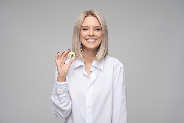 Koin Bitcoin dan wanita